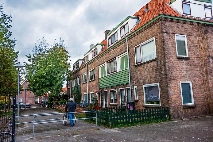 Het huizenblok aan het Boerhaaveplein in Ondiep waarmee van alles mis zou zijn qua onderhoud.