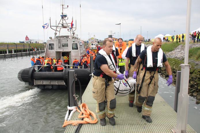 De hulpdiensten hebben vandaag een grote evacuatieoefening gehouden in de haven van Hoek van Holland.