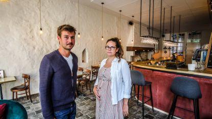 """Brugs café sluit de deuren 'door politieke willekeur bij stadsbestuur'. Burgemeester reageert verbaasd: """"Hebben zelfs toegevingen gedaan"""""""