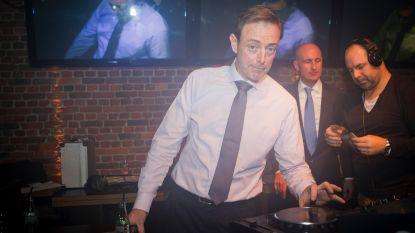 'Zet die ploat op Deluxe': N-VA viert feest voor Rode Neuzen Dag in Hotel Royal Astrid