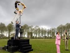 Burgemeesters steken het Vrijheidsvuur aan in Den Bosch: 'Kijk naar wat vrijheid voor een ander betekent'