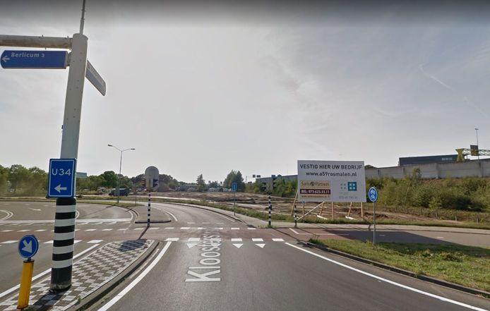 Het terrein aan de Kloosterstraat. Inmiddels staat daar een ombemand tankstation.