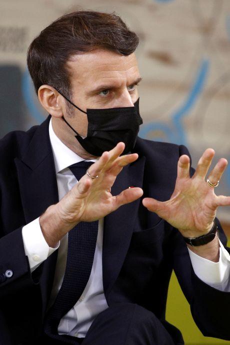 """Emmanuel Macron: """"La France est devenue une nation de 66 millions de procureurs"""""""