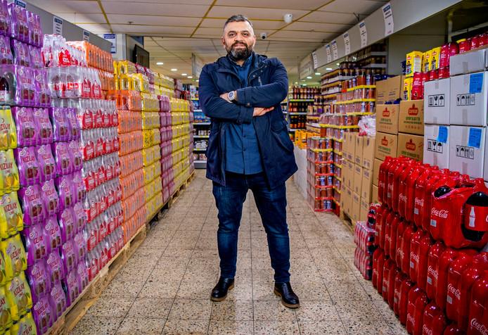 De Turkse supermarktketen van Zeki Sahan groeit in de omgeving van Rotterdam en de rest van Nederland.