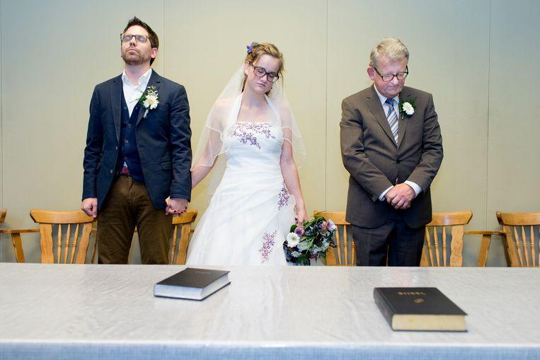 Het huwelijk van Jelle en Nelleke in Urk.  Beeld ©Lieve Blancquaert