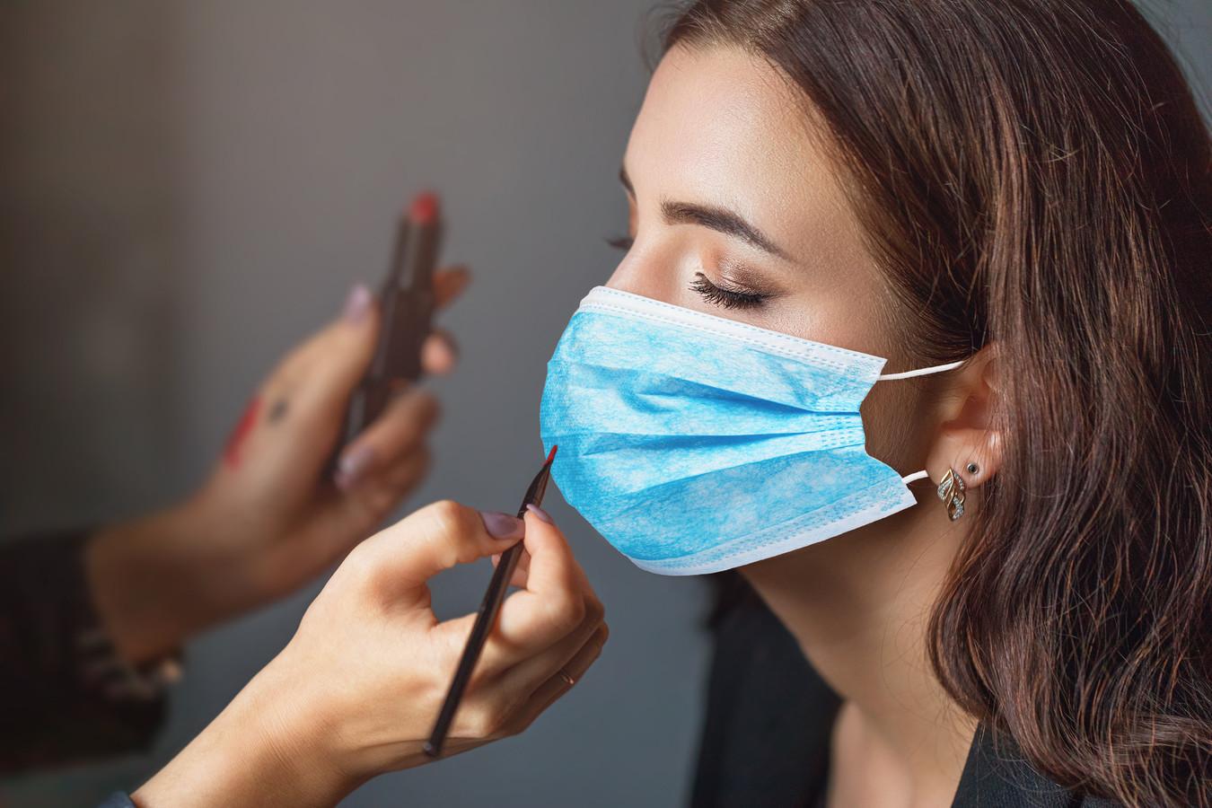 Il est possible d'éviter les boutons causés par le maquillage et la transpiration.