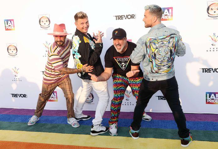 AJ McLean en Nick Carter van de Backstreet Boys en Joey Fatone en Lance Bass van *NSYNC op hun eerste optreden samen