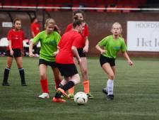 Stuiterend uit bed: zo veel zin in het sporttoernooi voor Bornse basisscholieren
