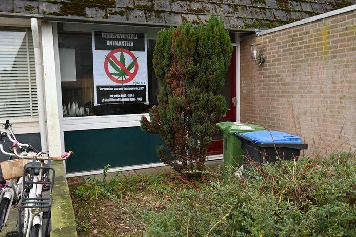 De woning in Zwanenveld waar een hennepkwekerij werd ontdekt.