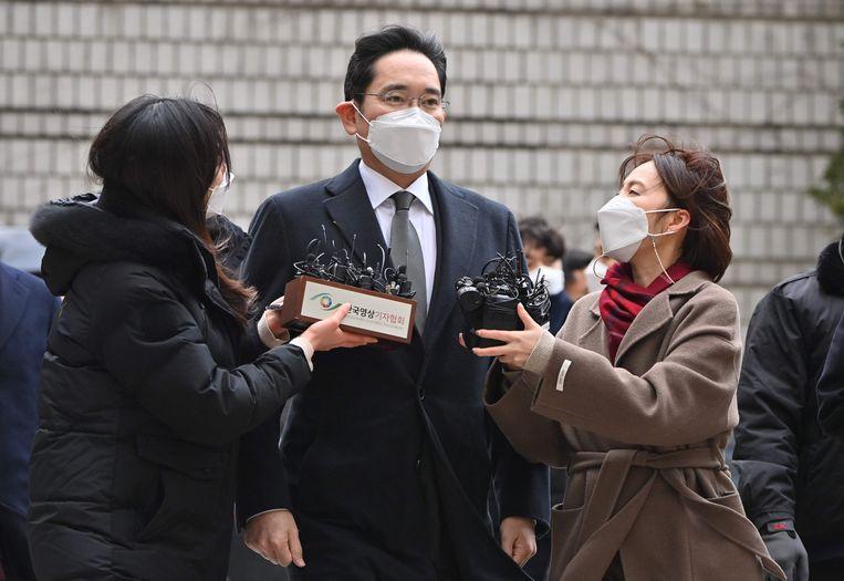 Samsung-baas Lee Jae-jung   arriveert bij de rechtbank in Seoul. Beeld AFP