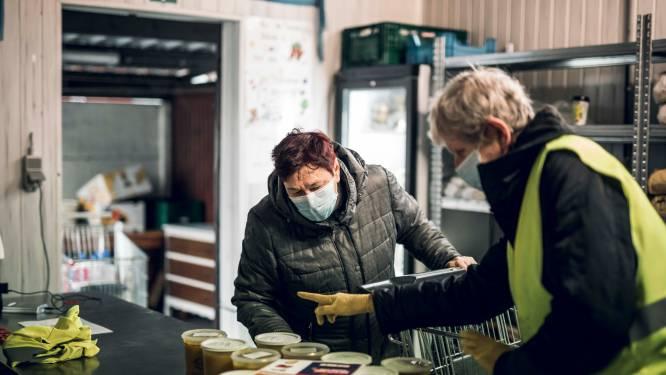 """Voedselbanken trekken aan alarmbel: """"Eten hebben we genoeg, geld en vrijwilligers niét"""""""