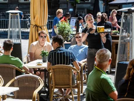 LIVE | Prachtige middag op terrassen Oost-Nederland, recreatieplassen afgesloten vanwege drukte