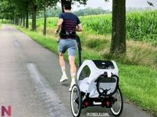 Wout Van Aert entretient sa condition physique avec son fils Georges