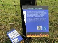 Vandalen vernielen en stelen herdenkingsborden van de grote dijkbrand