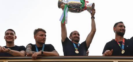 Les champions d'Europe de retour au pays savourent un bain de foule