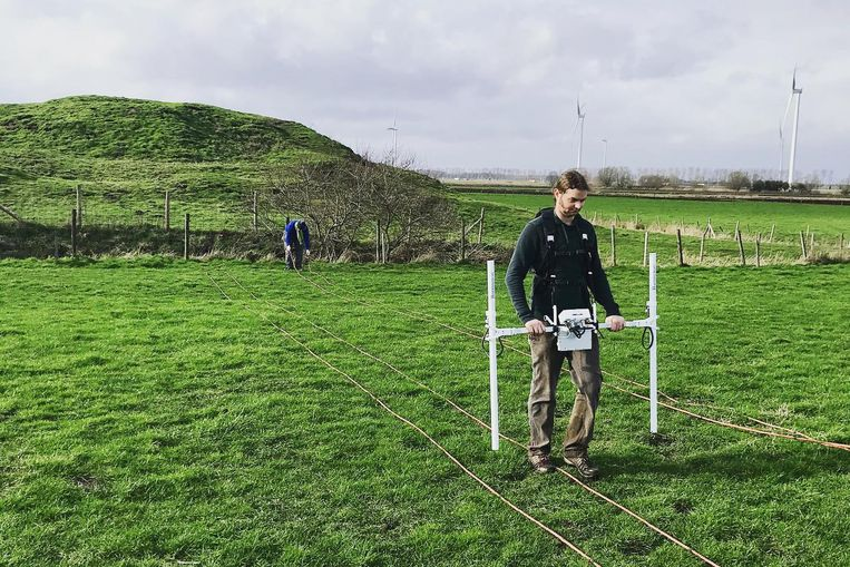 Dit jaar werd de grond rond de Singelberg onderzocht met een magnetometer.