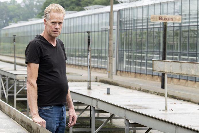 Johan Krooshoop gaat zich puur richten op het kweken van zomerbloeiers, vasteplanten, tuinplanten en groenteplanten.
