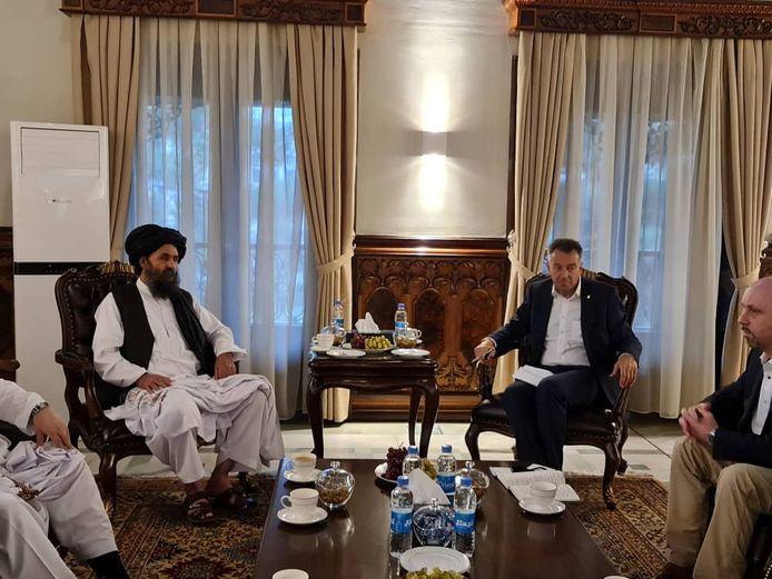 Talibanleider Mullah Baradar in ontmoeting met vertegenwoordigers van het Rode Kruis in Kaboel, Afghanistan. (06/09/2021)