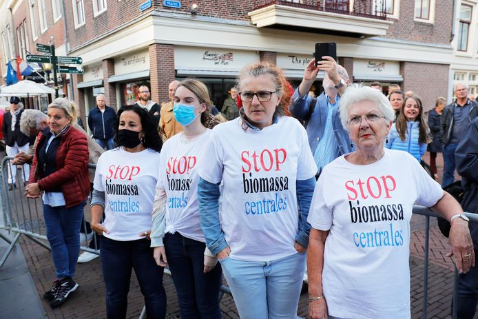 Bewoners protesteerden in juli tegen de plannen voor een biomassacentrale in Vierpolders.