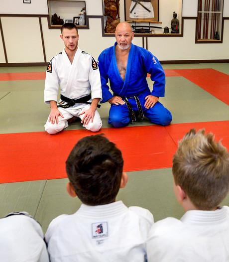 De wijze judolessen van meester Jan: 'Je leert respect en aanraken'