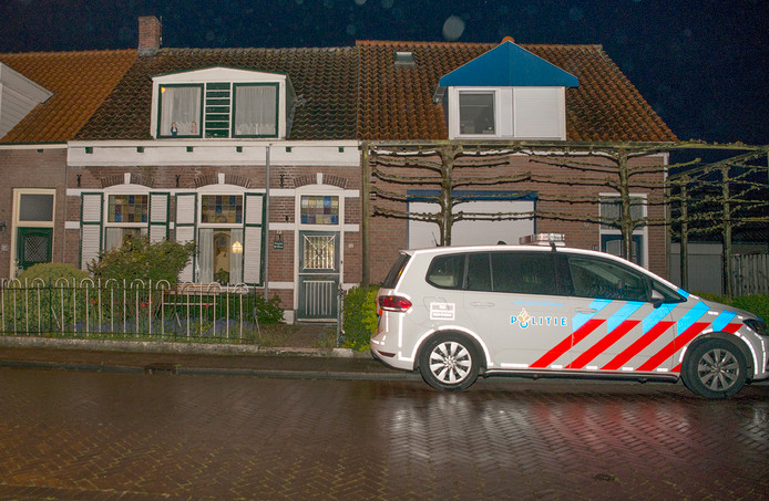 Man overvallen in woning Molenstraat in Oud-Vossemeer