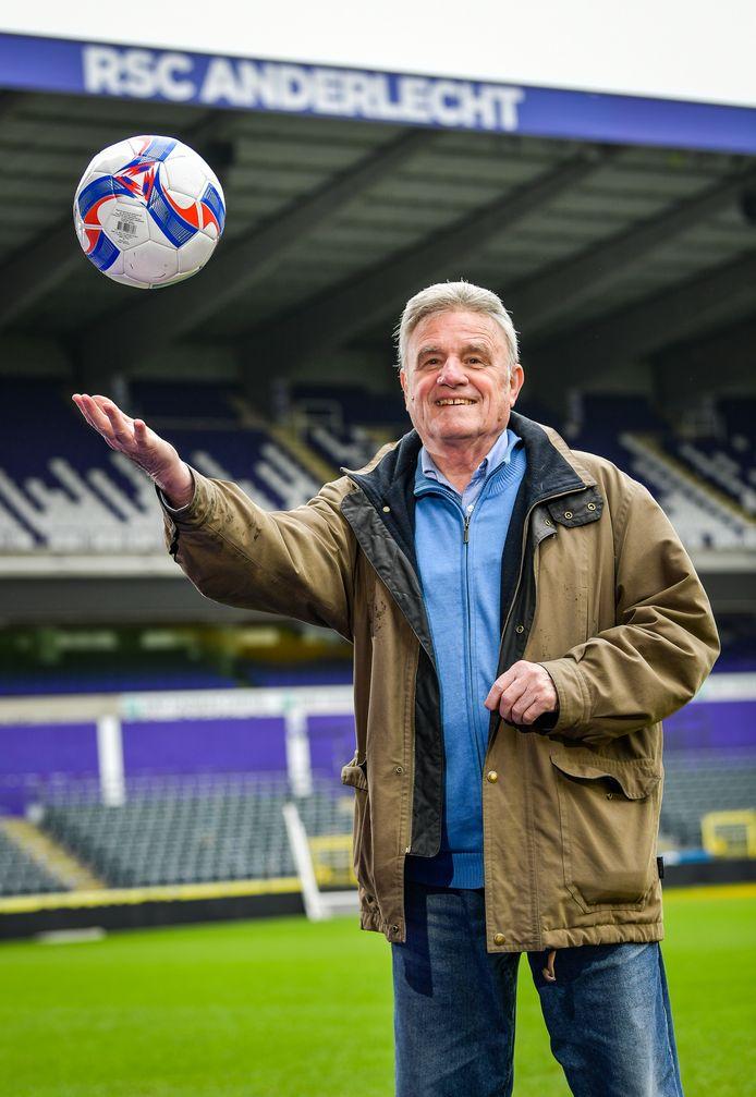 Georges Heylens  in het Constant Vanden Stockstadion, vandaag het Lotto Park in Anderlecht.