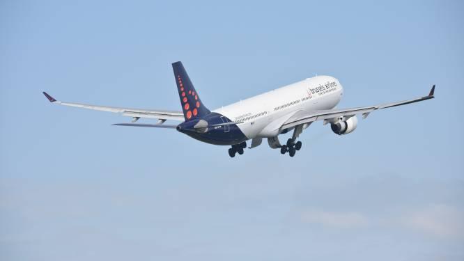 """Agressieve passagier weigert mondmasker te dragen en bedreigt stewardess: """"Ik zal met enkele vrienden en wat kalasjnikovs wel eens langskomen"""""""