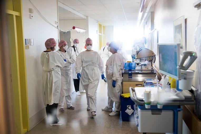 Minister Tamara van Ark voor Medische Zorg en Sport bracht eerder deze maand werkbezoek aan het IJsselland Ziekenhuis.  Beeld