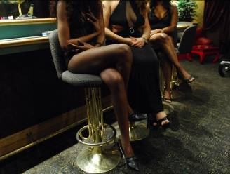 """""""Voodoopriester knipte mijn haren af en zou over mijn hele lichaam pijn lijden als ik praatte"""": meisje (18) vertelt aan Brugse speurders hoe Nigeriaanse bende haar in de prostitutie dwong"""
