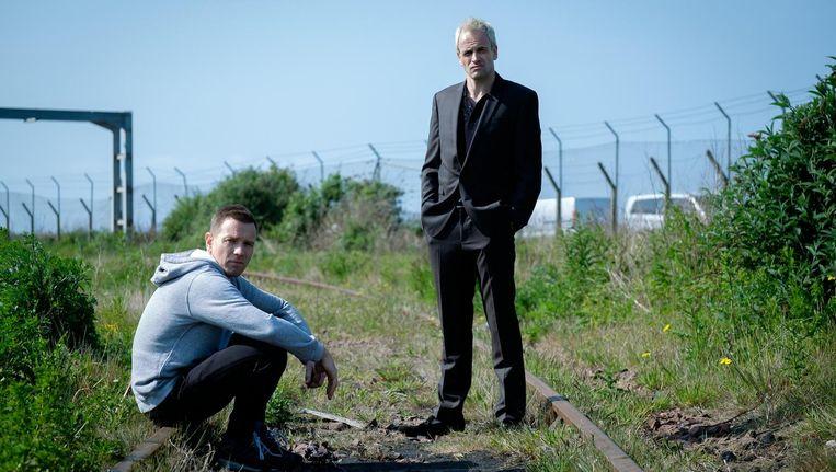 Ewan McGregor als Mark Renton en Jonny Lee Miller als Simon (Sick Boy) in T2 Trainspotting Beeld T2 Trainspotting