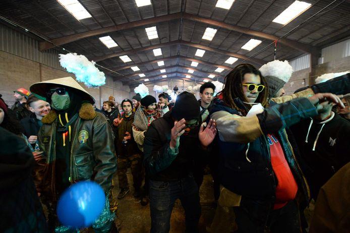 Près de 2.500 jeunes ont fêté la nouvelle année durant trois jours dans un hangar près de Rennes.
