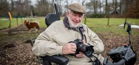 Coen (77) uit Almelo leeft van morfine, zijn camera en scootmobiel: 'Ik ben een gelukkig mens'