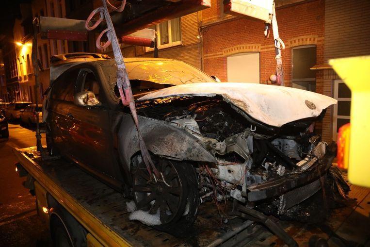 Eén van de wagens die op 6 maart in brand werd gestoken, was van de familie E.Y.