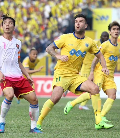 Ook na voetbalpensioen ligt toekomst van 'Nguyen' Van Bakel in Vietnam