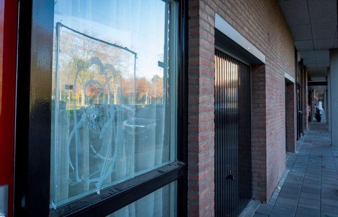 De beschoten woning aan de Echternachlaan in Eindhoven.