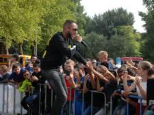 Baltovenaar en rappers zorgen voor complete gekte bij jeugdige bezoekers van SKEER in Den Bosch