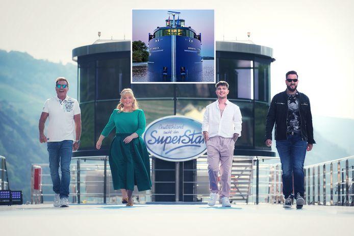 De jury van de Duitse televisieshow Deutschland sucht den Superstar op het topdek van de Blue Rhapsody. Links Dieter Bohlen.