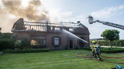 Prachtig huis verwoest in vlammenzee