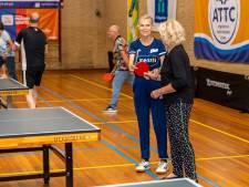 Tafeltennislegende Bettine Vriesekoop stimuleert ouderen fit te blijven: 'Dat is bijna een dagtaak'