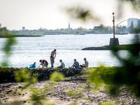 Rijkswaterstaat waarschuwt: 'Pas op met barbecue langs rivier'