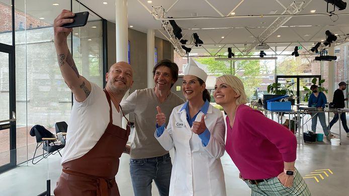 Selfie met Cora van Mora: Dominique Persoone, Koen Wauters en Dagny Ros Asmundsdottir.