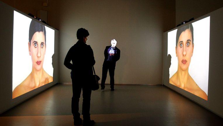 Beeld van de nieuwe expositie Patria o Libertad! (Vaderland of vrijheid!) in het Cobra Museum in Amstelveen. De tentoonstelling presenteert tot en met 8 mei 22 videowerken van internationale kunstenaars over het actuele onderwerp: vaderlandsliefde, immigratie en hedendaags populisme. Beeld null
