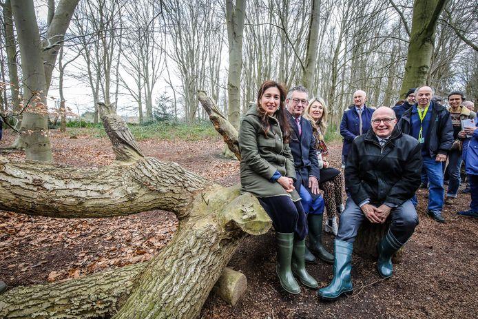Brugge wachtkamer in de natuur wordt geopend door Zuhal Demir