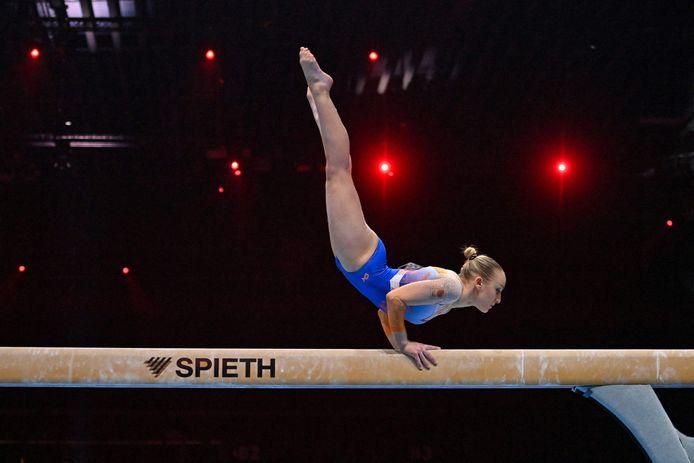 Sanne Wevers in actie in de balkfinale.