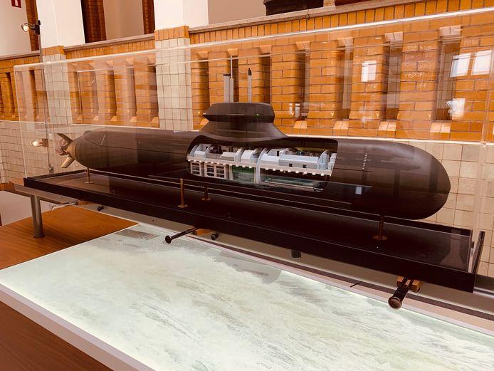 Maquette van de onderzeeboot die Damen en Saab willen bouwen.