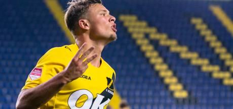 Cannoniere Van Hooijdonk krijgt warm welkom van Bologna FC