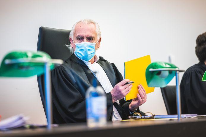 Woensdagochtend passeerde politierechter D'hondt voor het eerst in de Gentse rechtbank.