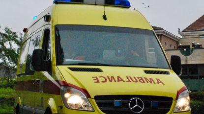 Auto's botsen: twee gewonden