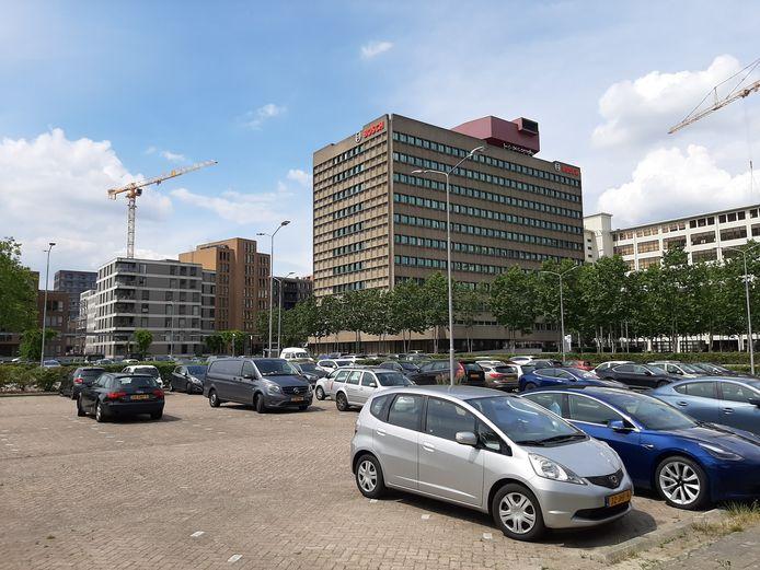 De parkeerplaats op Strijp-S in Eindhoven, aan de Kastanjelaan bij het Bosch-gebouw, wordt op termijn bebouwd. Trudo wil hier een woongenootschap en middeldure huurwoningen (laten) bouwen.