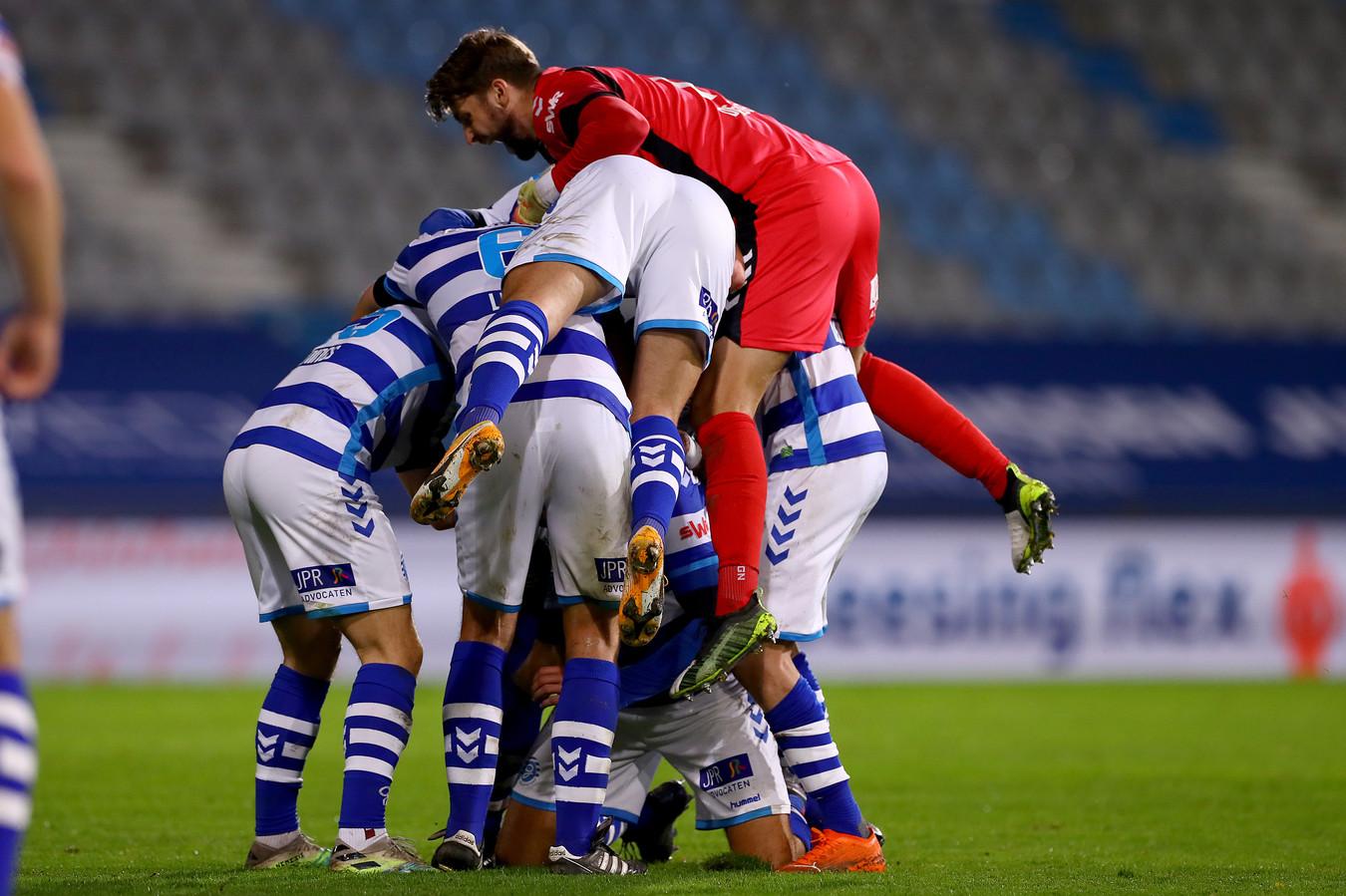 Uitzinnige vreugde bij De Graafschap na de late 2-1.